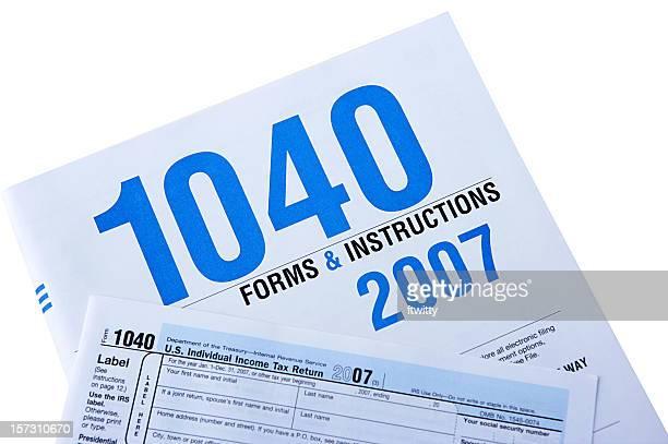 formulário 1040 isolado com traçado de recorte - 1040 tax form - fotografias e filmes do acervo