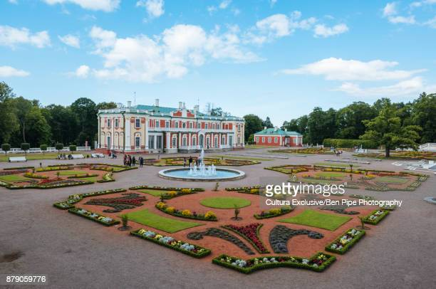formal gardens and kadriorg palace, tallinn, estonia - tallinn stock pictures, royalty-free photos & images