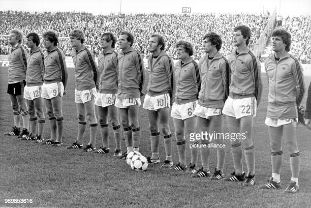 Formation of Dutch national football team prior to the match against Germany during the 1978 FIFA World Cup in Argentina Piet Schrijvers Robert...