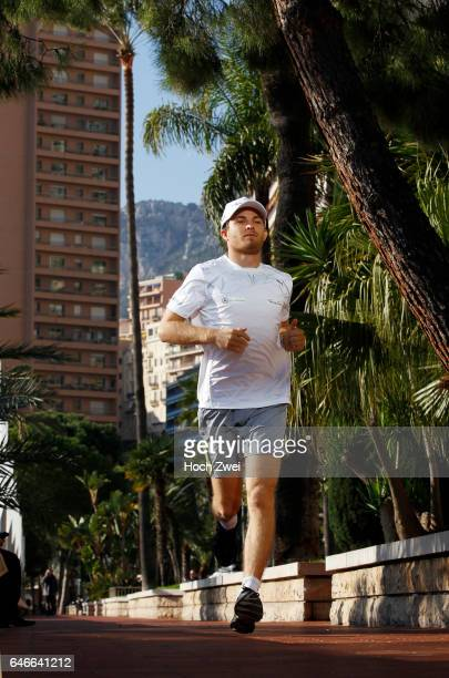 Formel 1 Fotoshooting Mercedes GPFahrer Nico Rosberg Monaco Nico Rosberg beim TriathlonFitnesstraining Laufen