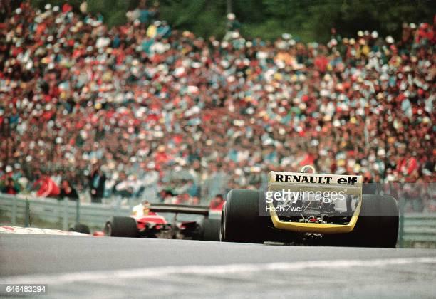 Formel 1 Grand Prix Frankreich 1979 Dijon Jody Scheckter Ferrari 312T4 Rene Arnoux Renault RS10 wwwhochzweinet copyright HOCH ZWEI / Ronco
