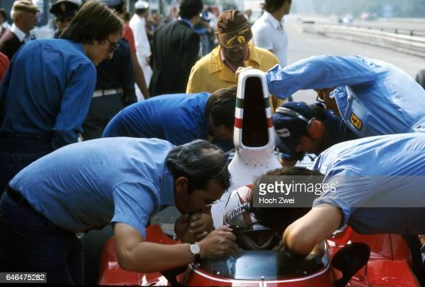 Formel 1 Grand Prix Italien 1975 Monza Boxengasse FerrariBox Clay Regazzoni Ferrari 312T Luca Montezemolo Ferrari Antonio Tomaini Ferrari FerrariTeam...