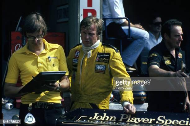 Formel 1 Grand Prix Italien 1978 Monza Boxengasse LotusBox Nigel Bennett Lotus Ronnie Peterson wwwhochzweinet copyright HOCH ZWEI / Ronco