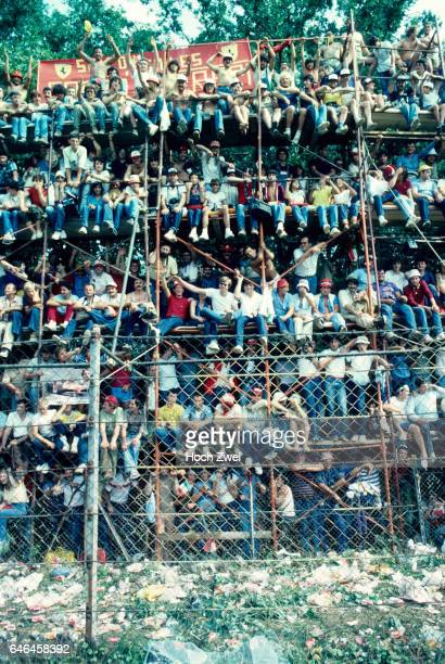 Formel 1 Grand Prix Italien 1982 Monza Zuschauer FerrariFans wwwhochzweinet copyright HOCH ZWEI / Ronco