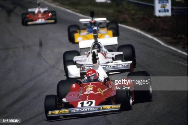 Formel 1 Grand Prix Niederlande 1975 Zandvoort Niki Lauda Ferrari 312T James Hunt HeskethFord 308 wwwhochzweinet copyright HOCH ZWEI / Ronco