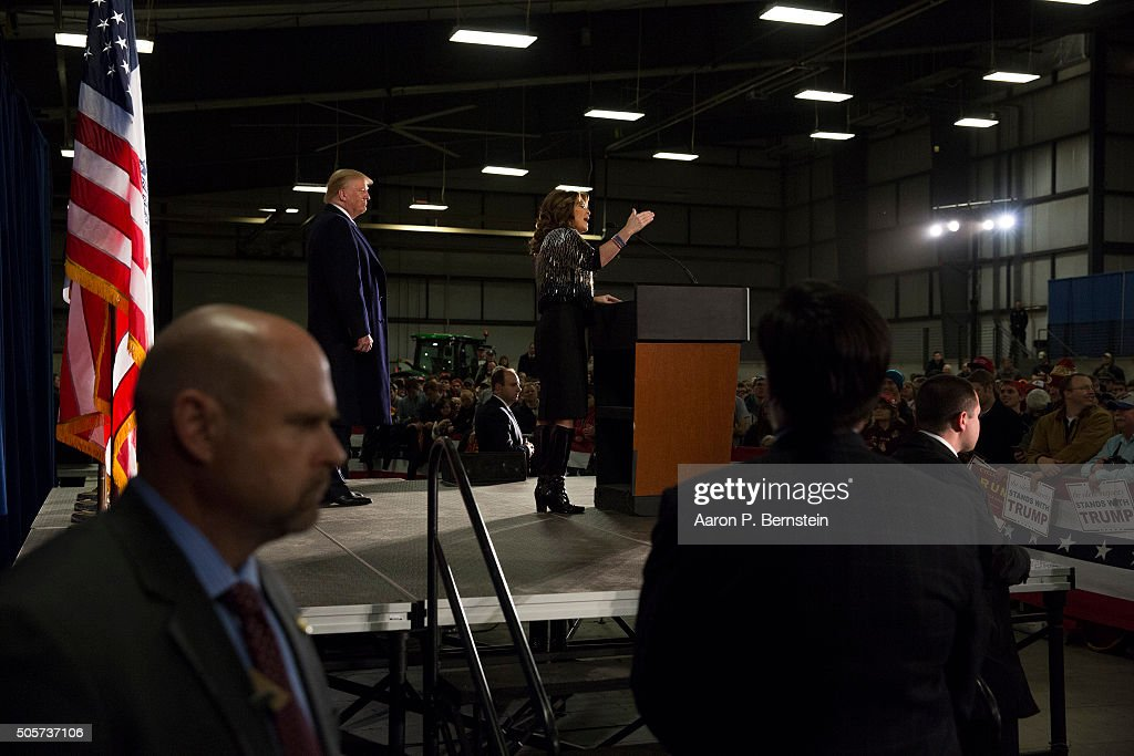 Former Alaska Gov. Sarah Palin speaks at Hansen Agriculture Student Learning Center at Iowa State University on January 19, 2016 in Ames, IA. Palin endorsed Donald Trump's run for the Republican presidential nomination.