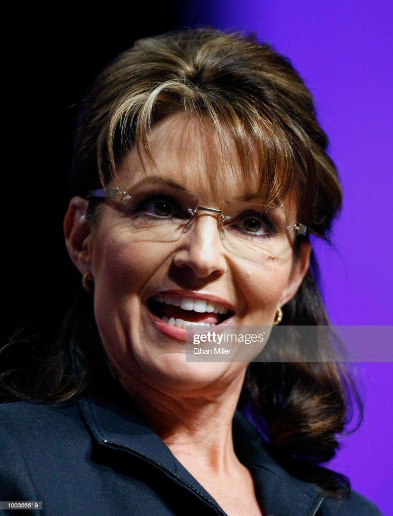 Sarah Palin Addresses Real Estate Convention In Las Vegas : News Photo