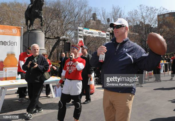Former American football quarterback Boomer Esiason attends the low calorie Vitaminwater10 launch at Vitaminwater10 Gym on April 2 2009 in New York...