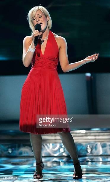 Former American Idol Kellie Pickler performs onstage during the American Idol Season 5 Finale on May 24 2006 at the Kodak Theatre in Hollywood...