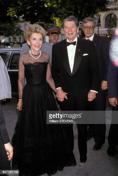Former American president Ronald Reagan with wife Nancy in Paris on June 18 1989 in Paris France