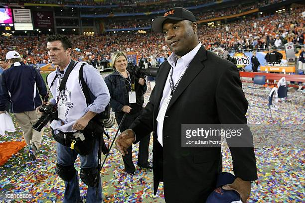 Former Auburn Tigers player Bo Jackson celebrates the Tigers 2219 victory against the Oregon Ducks during the Tostitos BCS National Championship Game...