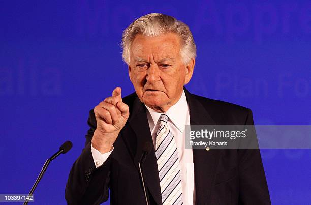 Former Australian Prime Minister Bob Hawke speaks during the Labor Party campaign launch on August 16 2010 in Brisbane Australia Australian voters...