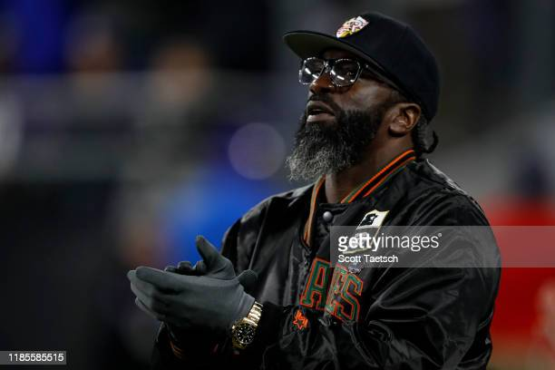 Former Baltimore Ravens safety Ed Reed reacts to a play during the first half of the game between the Baltimore Ravens and the New England Patriots...