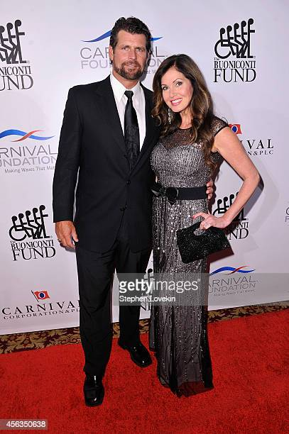 Former baseball player Scott Erickson and Lisa Guerrero attend the 29th Annual Great Sports Legends Dinner to benefit The Buoniconti Fund to Cure...