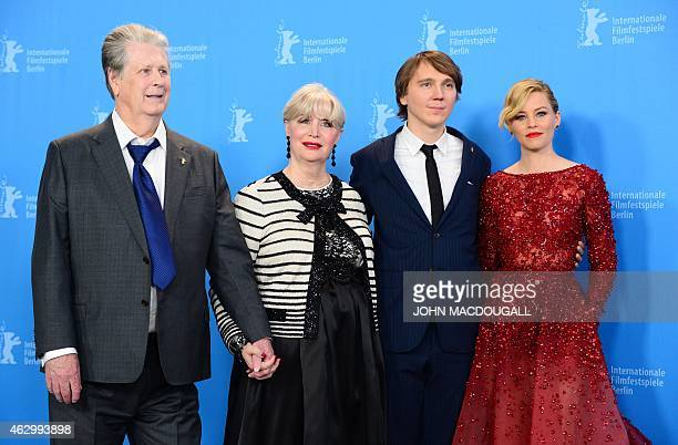 Former Beach Boy Brian Wilson his wife Melinda Ledbetter US actor Paul Dano and US actress Elizabeth Banks pose for photographers during the...
