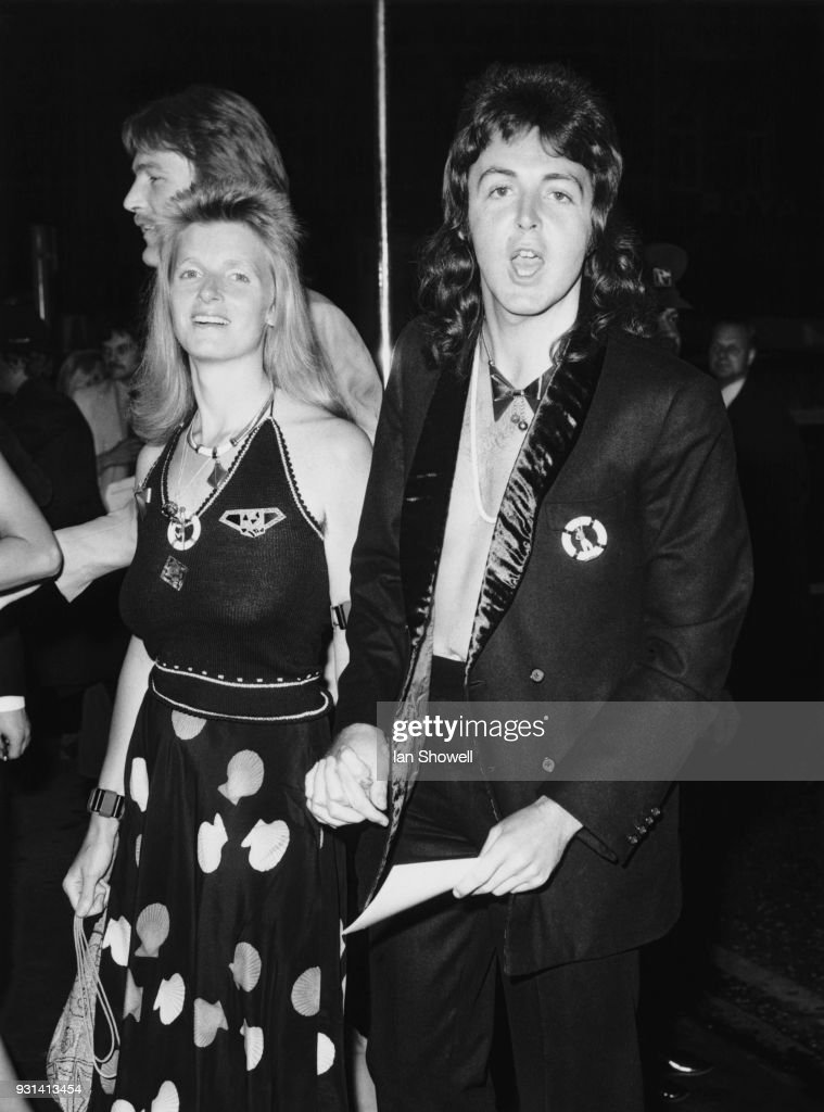 Live And Let Die1 Picture Embed EmbedLicence Former Beatle Paul McCartney His Wife Linda Attend The Premiere Of James Bond Film