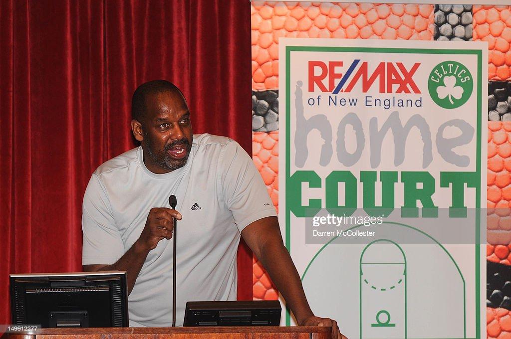 Boston Celtics Player Avery Bradley Joins Boston Children's Hospital RE/MAX Appreciation Day