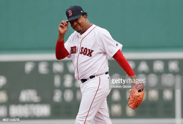 Former Boston Red Sox pitcher Pedro Martinez looks to the crowd before the start of the Red Sox alumni game at Fenway Park in Boston on May 27, 2018.