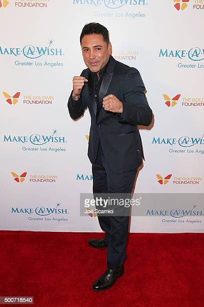 Former boxer Oscar De la Hoya arrives at the MakeAWish Greater Los Angeles Annual Wishing Well Winter Gala at the Beverly Wilshire Four Seasons Hotel...