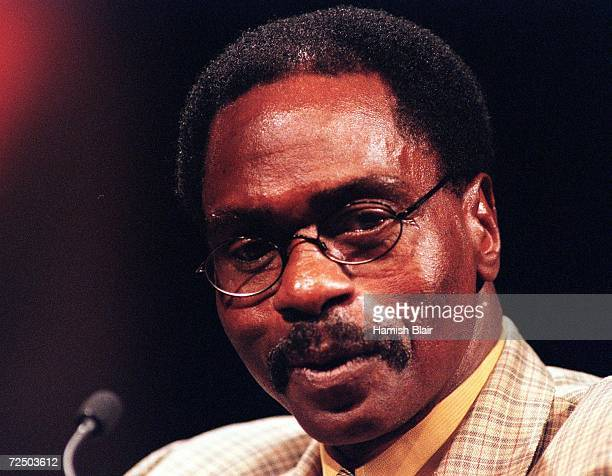 Former boxer Rubin Hurricane Carter speaks at the Nelson Mandela Tribute Luncheon for World Reconciliation Day September 8 2000 at the Melbourne...