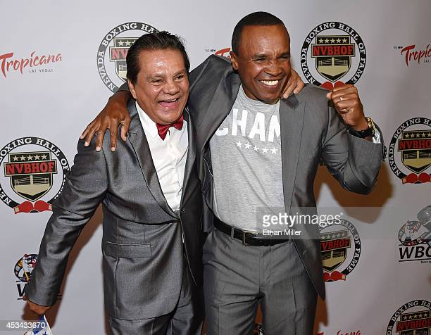 Former boxers Roberto Duran and Sugar Ray Leonard arrive at the second annual Nevada Boxing Hall of Fame induction gala at the New Tropicana Las...