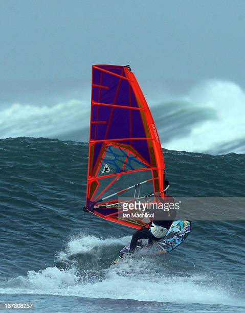 Former British Wind surfing Champion Timo Mullen abandonned a trip to Hawaii after only three days to meet up with current wind surfing world...