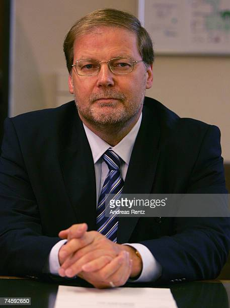 Former Bundestag parliamentarian HansJuergen Uhl looks on prior for his trial on charges of bribery at court on June 14 2007 in Wolfsburg Germany Uhl...