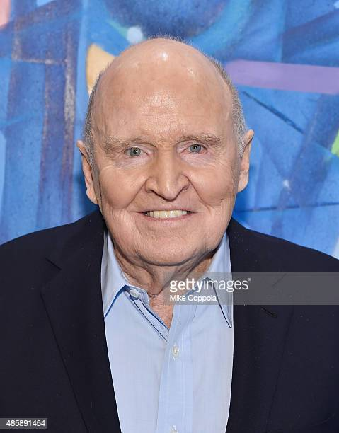 Former business executive author and chemical engineer Jack Welch poses for a picture before LinkedIn Executive Editor Dan Roth interviews him at...