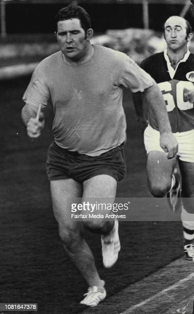 Former Canterbury Bankstown prop Merv Hicks at training with his new club North Sydney last night February 08 1971