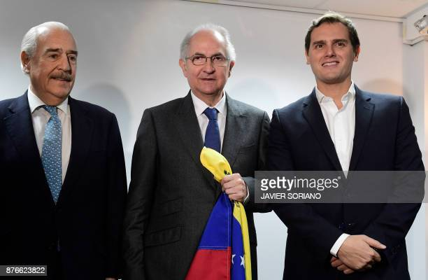 Former Caracas mayor Antonio Ledezma stands next to former Colombian president Andres Pastrana and Leader of the Centerright party Ciudadanos Albert...