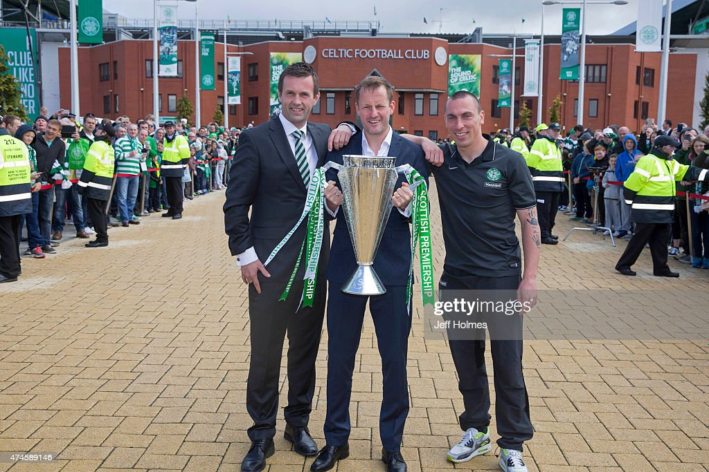 Former Celtic striker Harald Brattbakk (C) who is handing over the trophy today with Celtic Manager Ronny Deila (L) and Scott Brown (R) ahead of the Scottish Premiership match between Celtic and Inverness Caley Thistle at Celtic Park on May 24, 2015 in Glasgow, Scotland.