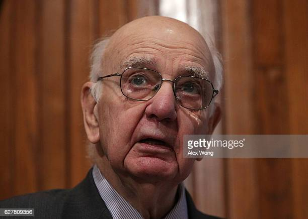 Former Chairman of Federal Reserve Paul Volcker speaks at a Volcker Alliance event December 5 2016 at the National Press Club in Washington DC The...