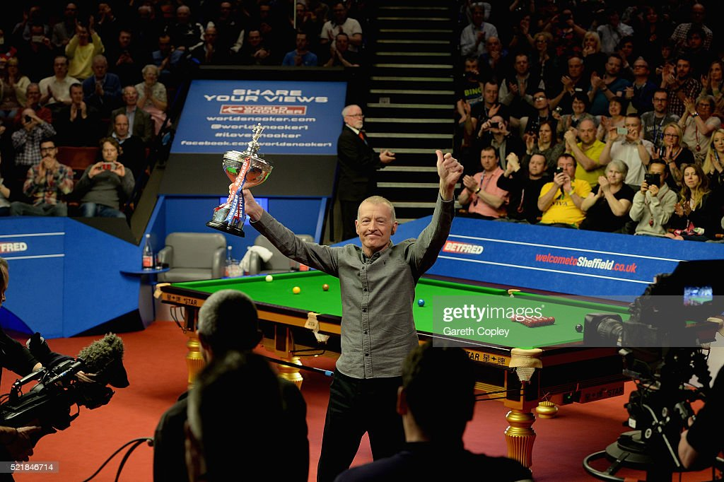 2016 Betfred World Snooker Championship - Day 2