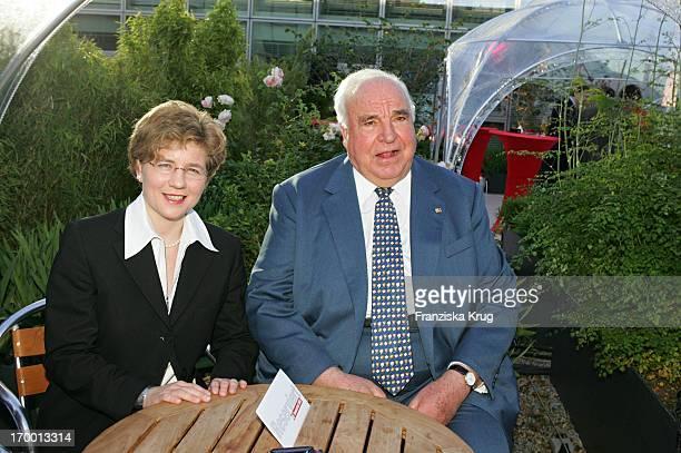 Former Chancellor Helmut Kohl and his new partner, Maike Richter BILD Summer Fesitival In Berlin On 280605.