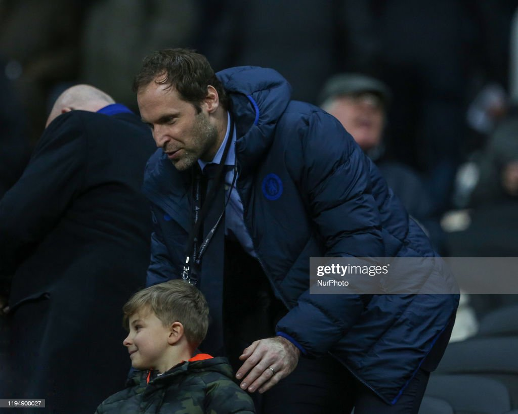 Former Chelsea Goal Kepper Petr Cech With A Young Fan During The News Photo Getty Images