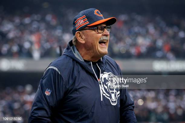 Former Chicago Bears player Dick Butkus cheers before the NFC Wild Card Playoff game against the Philadelphia Eagles at Soldier Field on January 06,...