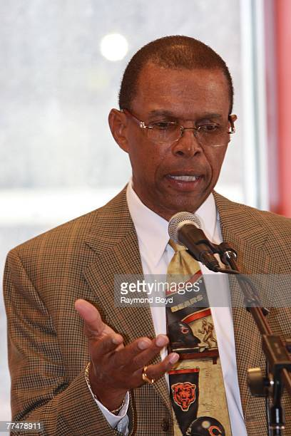 Former Chicago Bears running back Gale Sayers appeared at Borders Books Music for a discussion and signing for his book My Life And Times on October...