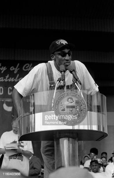 Former Chicago Bulls forward Scottie Pippen addresses the crowd during a celebration of the Chicago Bulls' 4th NBA Championship at the Petrillo Music...
