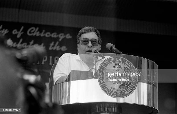Former Chicago Bulls General Manager Jerry Krause addresses the crowd during a celebration of the Chicago Bulls' 4th NBA Championship at the Petrillo...