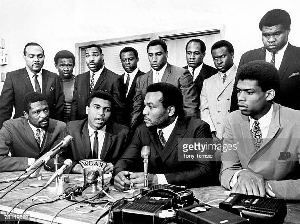 Former Cleveland Browns Hall of Fame running back Jim Brown presides over a meeting of top AfricanAmerican athletes on June 4 to show support for...