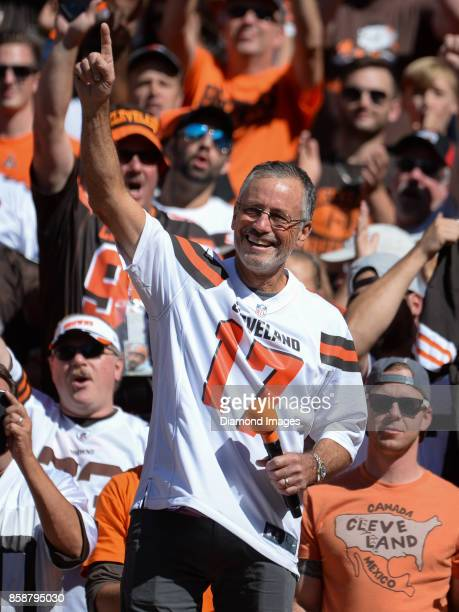 Former Cleveland Browns quarterback Brian Siper gestures toward the corwd as he speaks during a timeout in the first quarter of a game on October 1...