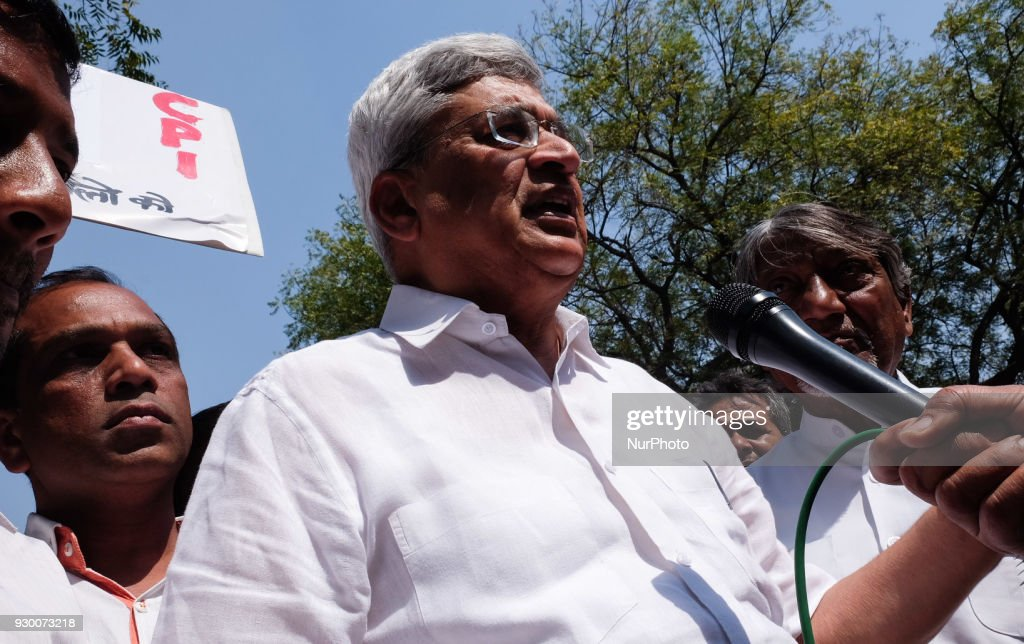 Leftist Parties protest against BJP in New Delhi : News Photo