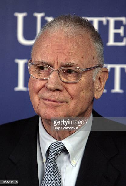 Former Congressman Lee Hamilton, director of the Woodrow Wilson International Center for Scholars holdsa news conference after the first meeting of...