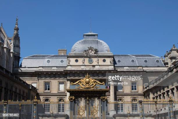 former courthouse, island of the city - paris island stock photos and pictures
