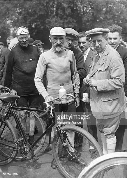 Former cyclist Gaston Rivierre at the start ofthe criterium of old cyclists stars in France in July 1929