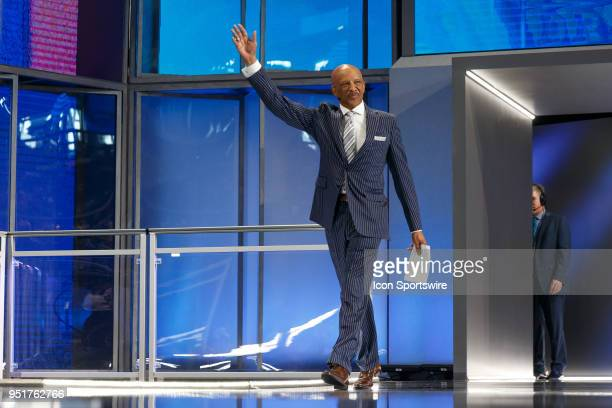 Former Dallas Cowboys Wide Receiver Drew Pearson comes out to greet the crowd prior to the first round of the NFL Draft on April 26, 2018 at AT&T...