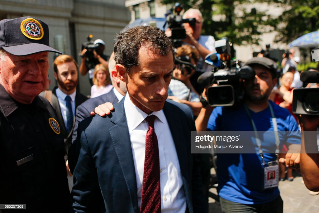 Former Democratic Congressman Anthony Weiner (C) exits federal court in Manhattan after pleading guilty in sexting case on May 19, 2017 in New York City. Weiner, who resigned from Congress over a sexting scanal, pleaded guilty on friday to federal charges of transmitting sexual material to a minor and could face a prison term.