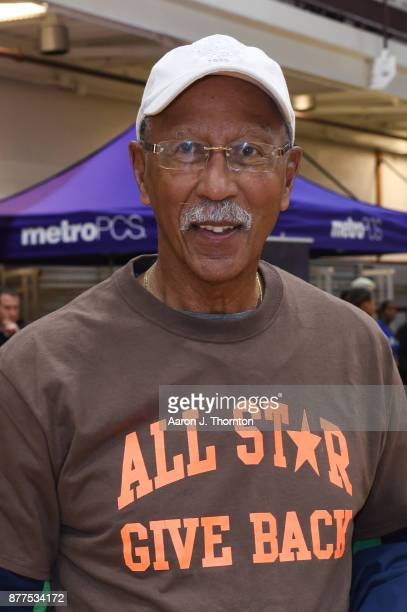Former Detroit Mayor Dave Bing attends the 2017 Annual AllStar Giveback Thanksgiving Edition on November 21 2017 in Detroit Michigan