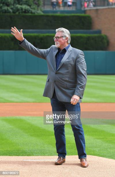 Former Detroit Tigers pitcher Jack Morris waves to the crowd before throwing out the ceremonial first pitch prior to the game against the Chicago...