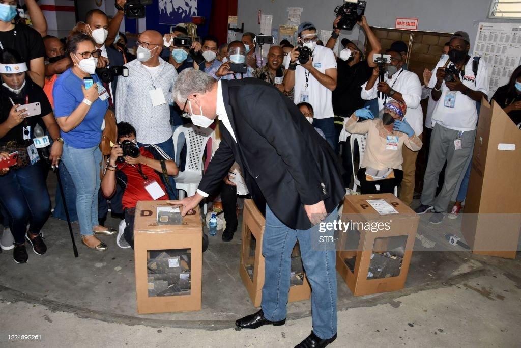 DOMINICAN REP-ELECTIONS-VOTE-CASTILLO : News Photo